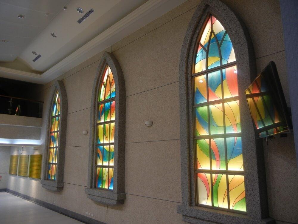 台灣基督長老教會旗後教會玻璃窗